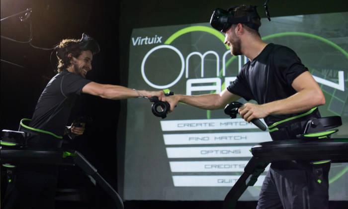 gioco realta virtuale doppio in squadra